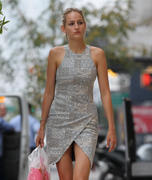 Leelee Sobieski shopping in NY 9/27/11