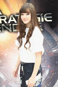 Hailee Steinfeld- 'Ender's Game' Photocall in Paris 10/02/13