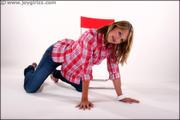 http://img182.imagevenue.com/loc190/th_200412175_Dionne_006_059_122_190lo.jpg