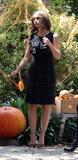 Jennifer Love Hewitt Th_48113_Preppie_-_Jennifer_Love_Hewitt_on_the_Ghost_Whisperer_set_012_123_225lo
