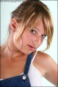 http://img182.imagevenue.com/loc24/th_199933113_Dionne_003_005_122_24lo.jpg