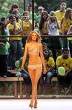Caroline Trentini VOGUE Brazil - January 2007 Foto 142 (Каролин Трентини VOGUE Бразилия - январь 2007 г. Фото 142)