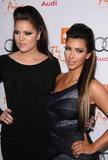 Kim Kardashian (Ким Кардашьян) - Страница 6 Th_92146_kim_kardashian_1_tikipeter_celebritycity_051_123_342lo