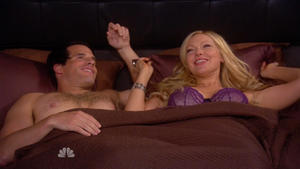 Laura Prepon @ Are You There Chelsea? s01e02 hdtv720p (USA/2012) [bra]