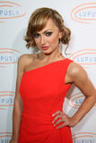 th_30370_Karina_Smirnoff_2008-11-07_-_Lupus_LA4s_Sixth_Annual_Hollywood_Bag_Ladies_Luncheon_in_Beverly_H_9158_122_366lo.jpg