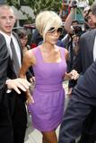 123mike HQ pictures of Victoria Th_04191_Victoria_Beckham_shopping_in_Beverly_Hills_082_123_40lo