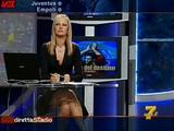 [IMG]http://img182.imagevenue.com/loc403/th_20171_Simona_Tironi_-_Diretta_Stadio_071031_2_123_403lo.jpg[/IMG]