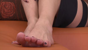 Hunt Erotic: Deep Feet -By Domina Lea Lexis And Her Slave Blanka