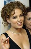 Erika Christensen This is cleavage, Foto 199 (Эрика Кристэнсэн Это расщепление, Фото 199)